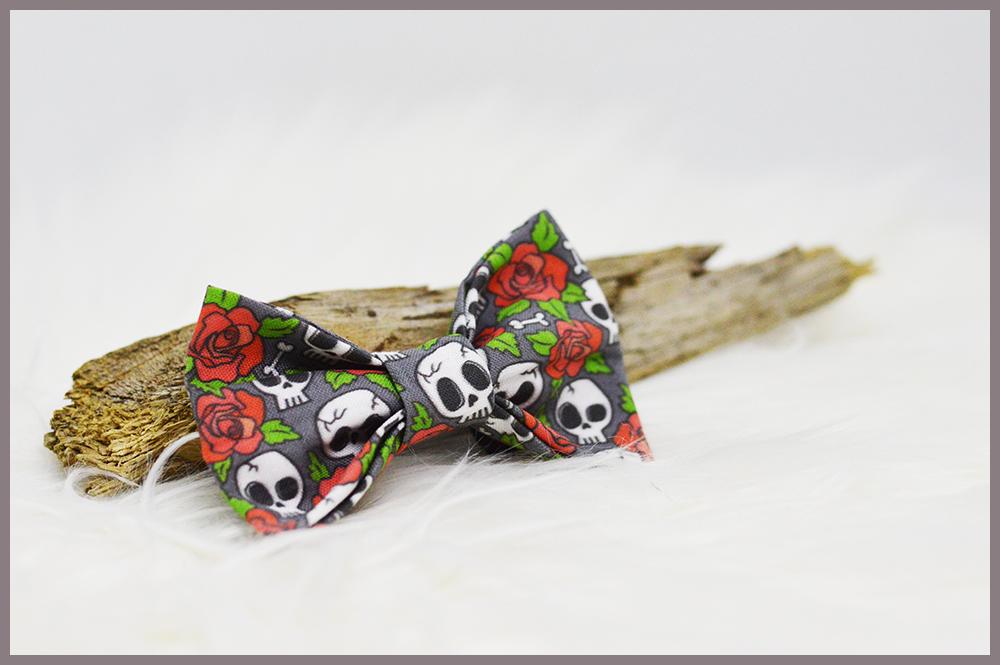 Noeud Halloween pour chien Skulls'N'Roses