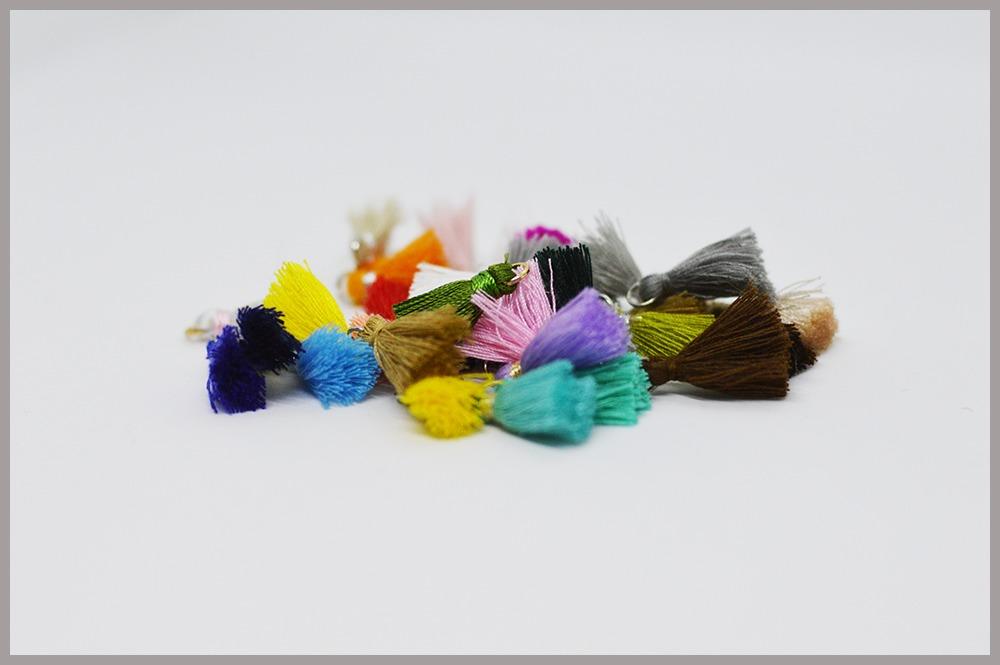 Pompons en soie